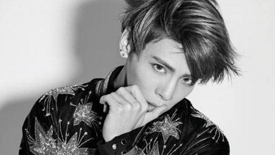 Jonghyun - Como a morte de um ídolo do K-Pop expõe a realidade da vida sob os holofotes da fama