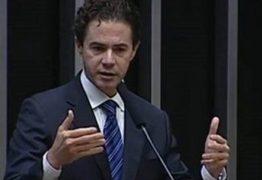 Veneziano responde especulação de que Padilha pediu que ele saia do PMDB