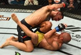 Max Holloway volta a nocautear José Aldo e mantém o cinturão no UFC 218 -VEJA A LUTA COMPLETA