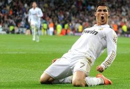Cristiano Ronaldo treina com o grupo e deve defender o Real no clássico