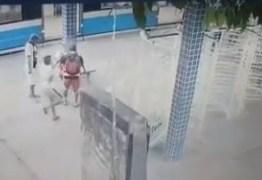 VEJA VÍDEO: Câmeras flagram momento exato em que albergado é assassinado em estação de trem de Santa Rita