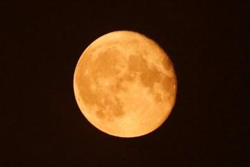 luasuper - ÁGUA NA LUA: Nasa confirma a existência de água no lado iluminado da superfície lunar