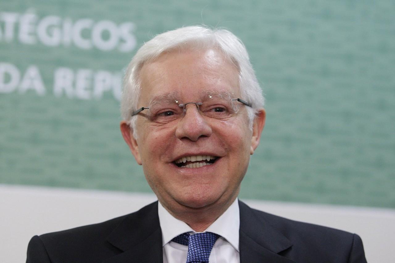 moreira - Eletrobrás é prioridade de Moreira Franco no Ministério de Minas e Energia