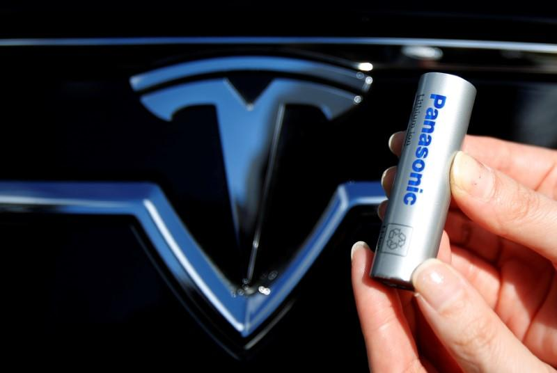 panasonic - Tesla pode estar acabando com todas as baterias do mundo