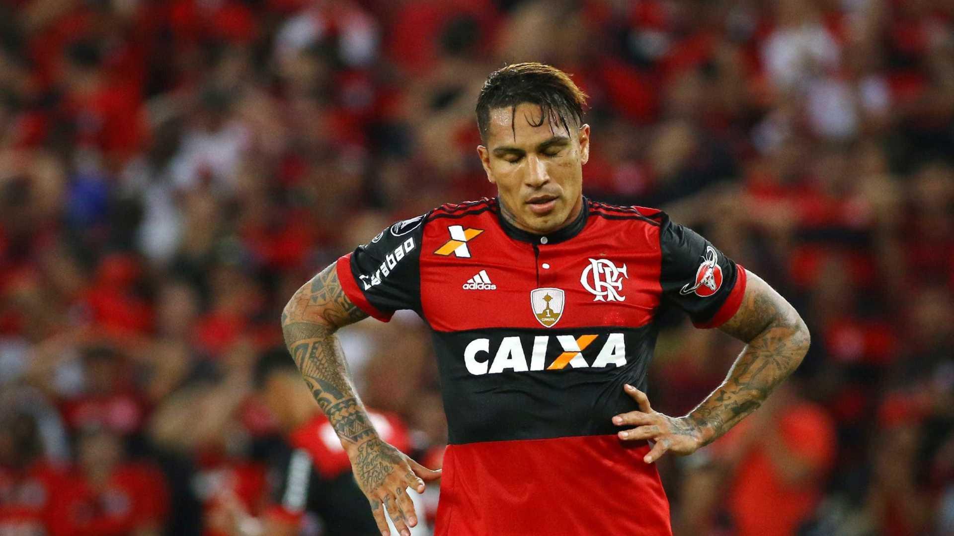 paolo guerrero - Jornal peruano diz que Guerrero tem 'horas contadas' no Flamengo para definir futuro