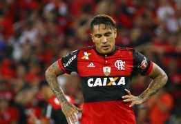 Suspenso por doping, Guerrero viaja para o Peru para tentar resolver situação