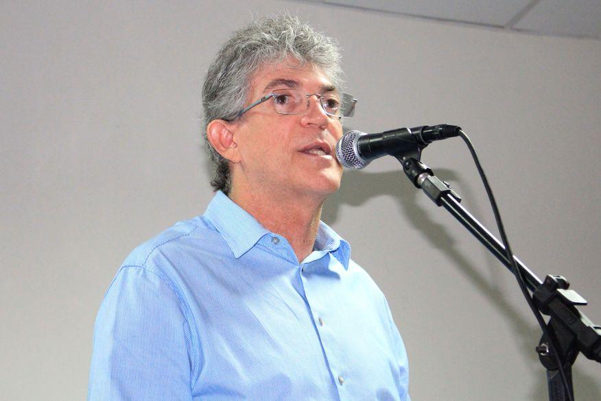 ricardo coutinho2 walla santos - Ricardo Coutinho e governador de Pernambuco assinam ordem de serviço de adutora nesta sexta