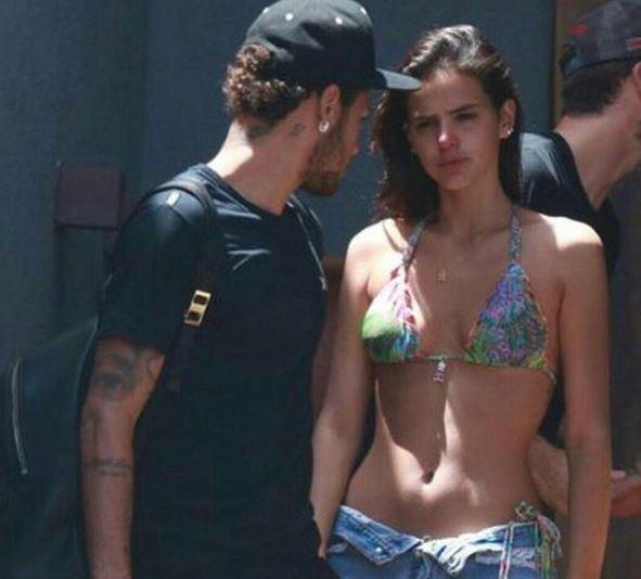 brumar 2 - Marquezine nega que namoro com Neymar tenha acabado por motivos políticos