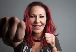 UFC bane fotógrafo que chamou Cris Cyborg de homem