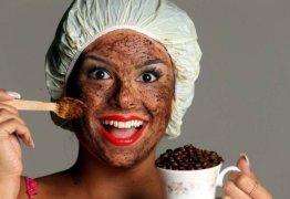 Veja como cuidar da pele após o excesso de bebida nas festas de réveillon