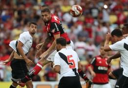 Flamengo liga radar por zagueiro jovem enquanto dá tempo a Léo Duarte