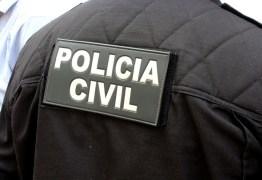 Se passando por policiais, criminosos assassinam gesseiro na Capital e deixam mensagem codificada junto ao corpo