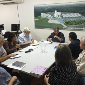 reuniao joao sertao 300x300 - João Azevedo se reúne com Luiz Couto, Estela e lideranças sertanejas