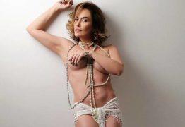 Núbia Oliver faz topless em ensaio e fala da ausência no carnaval