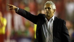 xrueda flamengo.jpg.pagespeed.ic .sNY9ZcUB6R 300x169 - Chile paga multa de R$ 2,4 milhões ao Flamengo por rescisão de Rueda