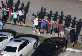 """""""Massacres geram efeito imitação, atiradores querem fama"""", diz psicólogo americano"""