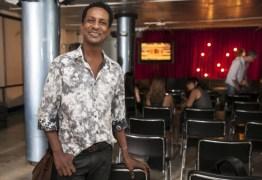 VEJA VIDEO: 'Toda vez que alguém sai do armário ajuda o outro', diz ator global Luis Miranda