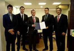 Paulo Maia empossa Otto Cruz como diretor geral da ESA-PB