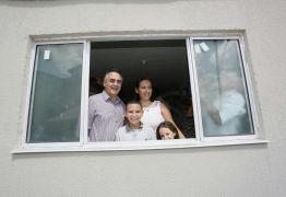 PMJP entrega chaves para novos moradores do Vista Alegre e mais de 26 mil pessoas já realizaram o sonho da casa própria