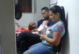 Ex-goleiro Bruno é fotografado com a esposa e filha durante visita em Varginha