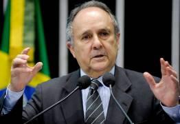 Cristovam Buarque é internado no Hospital do Coração do Brasil