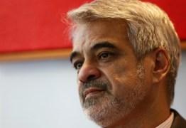 'Forças Armadas estão sendo usadas com propósito político', diz senador