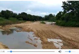 VEJA VÍDEOS: Chegada da água no Rio Piancó alegra população de Itaporanga