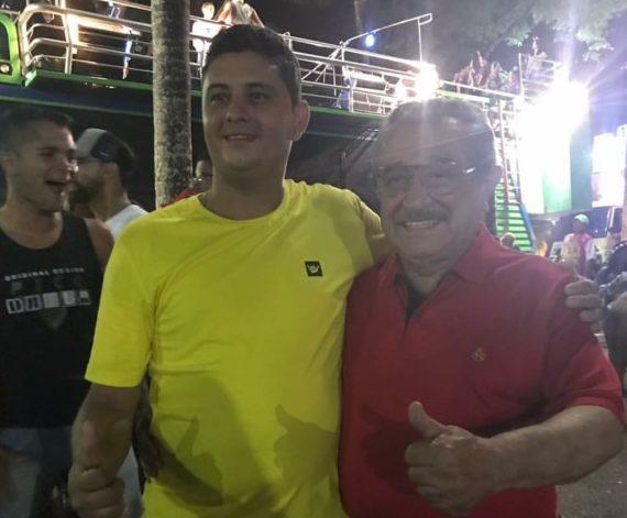 Screenshot 20180208 093446 e1518094913593 - CARNAVALESCO: senador Maranhão desce Avenida seguindo trio nas Muriçocas do Miramar