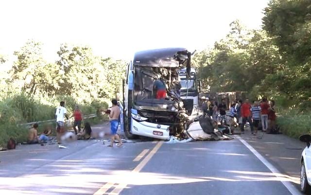 acidente onibus 2 - IML identifica vítimas de acidente em Goiás; nenhuma é da Paraíba