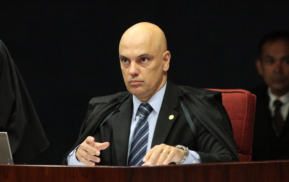 Servidor da Câmara dos Deputados é preso acusado de dar garrafada em garota de programa após orgia