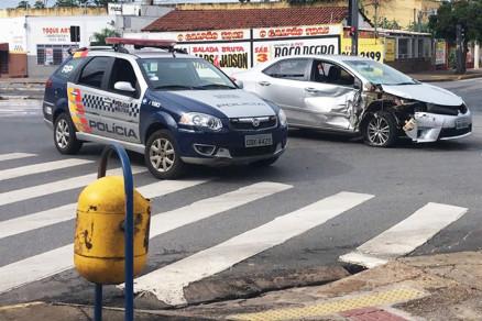 b029d2f0de5e5e4e0d4b674af981cb7d - VEJA VÍDEO: Motorista atropela três mulheres em ponto de ônibus