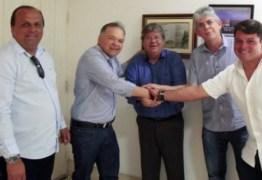 Azevedo recebe adesões de prefeitos de Serra Branca e Emas