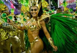 Volta de Juliana Paes e protestos marcam 1° dia de desfiles no Rio