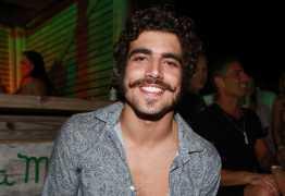 Caio Castro se revela emotivo na hora do sexo: 'Eu choro'