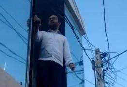 'GOLPISTA': Hugo Motta é hostilizado enquanto tomava café da manhã em restaurante de Patos; VEJA VÍDEO