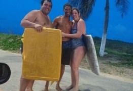 Homem usa tampas de isopor e salva casal de argentinos em Natal
