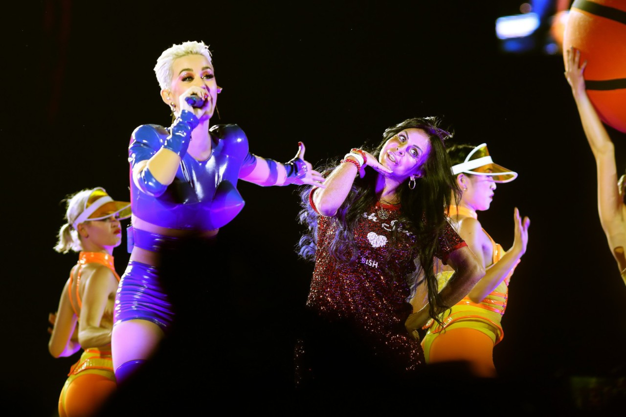 132a6959 - VEJA VÍDEO: Gretchen ensina rebolado a Katy Perry em apresentação em São Paulo