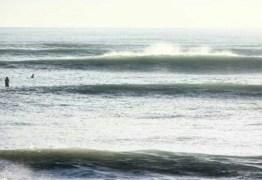 VEJA VÍDEOS: Ressaca do mar atinge praias de Cabedelo, Baía da Traição e Lucena