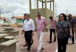 Ricardo Coutinho inaugura Condomínio Cidade Madura em Sousa