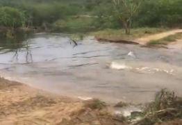 VEJA VÍDEO: Águas de Boqueirão continuam descendo rumo a Acauã