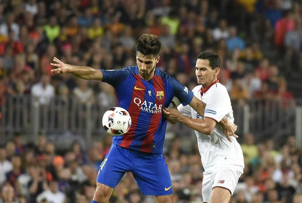 andré gomes - André Gomes diz que tem vergonha de sair de casa e fala em inferno no Barcelona