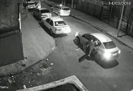 VÍDEO: Câmera mostra carro da vereadora Marielle Franco saindo de evento e sendo seguido