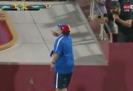 Após empate aos 54 do segundo tempo, Maradona vai ao delírio e xinga torcida