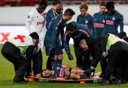 Filipe Luís, com fratura da fíbula, pode ficar fora da Copa