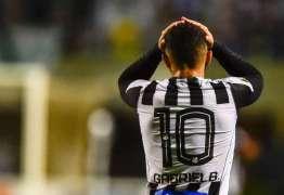 """Orgulhoso do Santos, Gabigol diz: """"Se eu fosse completo, seria o Cristiano Ronaldo"""""""