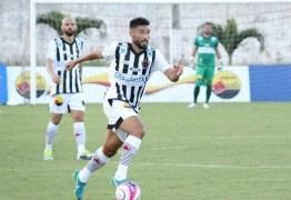 Na reserva, meia do Botafogo-PB elogia trabalho do treinador: 'tem total confiança do grupo inteiro'