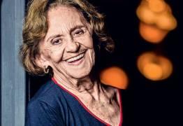 'Nunca que quero me aposentar e fazer tricô', diz Laura Cardoso aos 91 anos