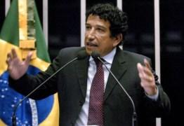 """""""Potencial"""" vice de Bolsonaro, Magno Malta diz que Brasil quer presidente """"que não glamoriza vagabundo"""""""