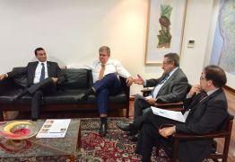Maranhão se reúne com ministro para reivindicar construção do Canal de Piancó