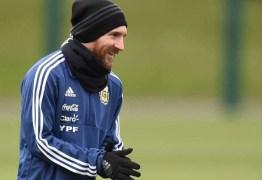 Messi está fora de amistoso entre Argentina e Espanha após sentir dores